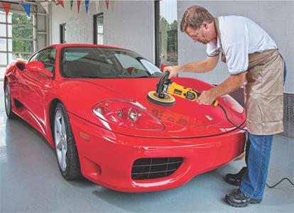 DeWalt DWP849 Circular Polisher operates a slow speeds for fine finish work.